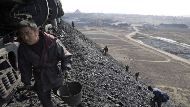 China Coal Firms Will Now Discuss Moves to Stabilize Output on Tuesday