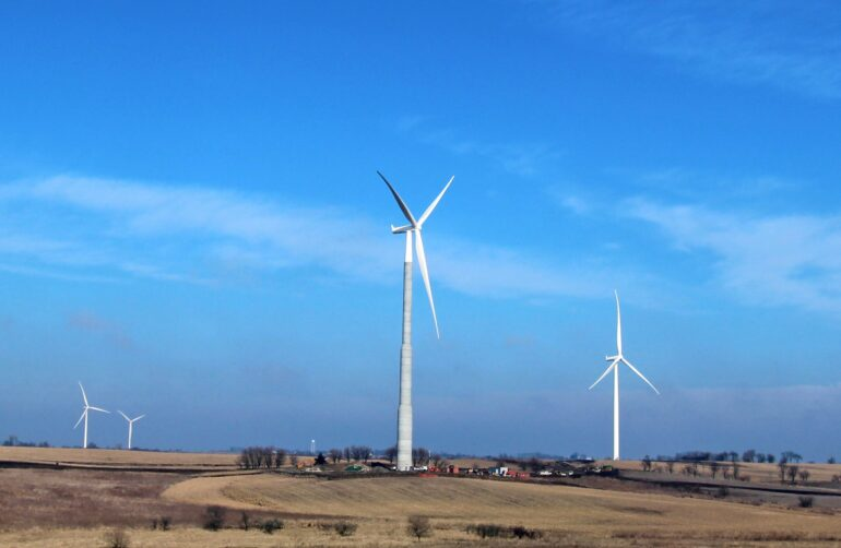 Low Wind Power Tariff Attracts More State-Run Utilities