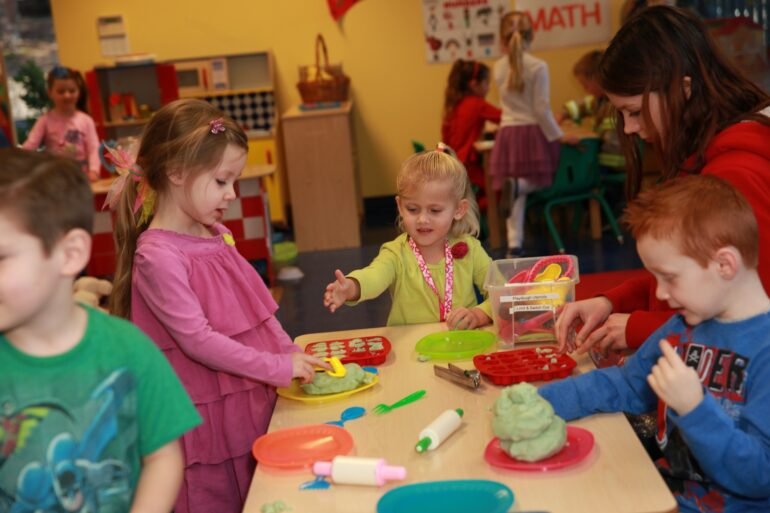 Easy and Cheap Activities to Keep Kids Involved